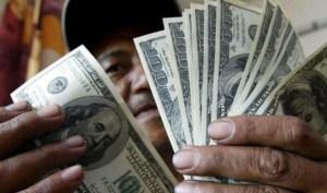 Los bancos venezolanos que comenzaron a vender divisas por la web