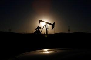 Petróleo Brent cerró en máximo desde 2018 en medio de oferta restringida