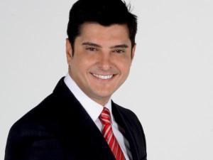 """""""Mi papá me dejó"""": Leonardo Villalobos se despide de Daniel Alvarado con conmovedor mensaje"""
