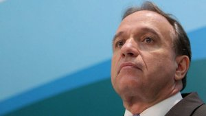 Renuncia el presidente del Consejo de Administración de Petrobras