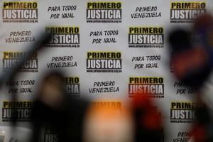 """""""Primero Justicia es la rebeldía de hombres y mujeres que no se arrodillan"""" (Comunicado)"""