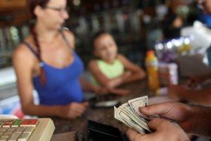 Sin frenos: Dólar paralelo en Venezuela marca nuevo récord y roza los 4 millones de bolívares