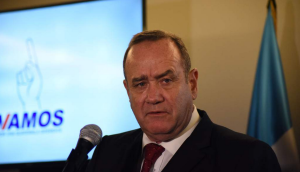El presidente de Guatemala da positivo a Covid-19