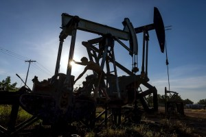 Plataformas petroleras de Venezuela están paralizadas ante dificultades para colocar crudo