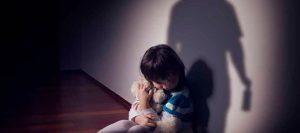 Horror en Río Chico: Madre permitía abusos sexuales contra su hija de 8 años y grababa los hechos