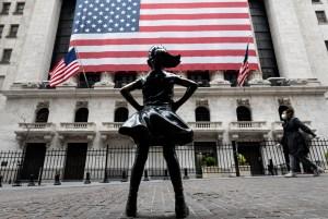 Wall Street terminó a la baja pero cerró su mejor mes desde 1987