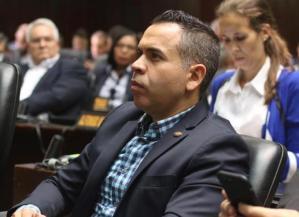 Diputado Mendoza: El país entra en caos mientras intentan imponer una farsa electoral