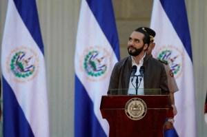 Presidente salvadoreño anunció vacunación de periodistas contra el Covid-19