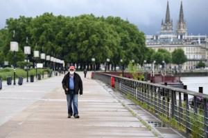 Francia se resiste a generalizar uso obligatorio de mascarillas en la calle