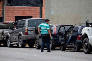 La escasez de gasolina en Venezuela, nueva arma arrojadiza (Video)