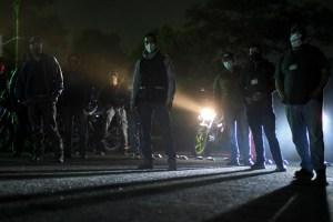 Civiles patrullan las calles de Guatemala con armas para frenar la violencia y la pandemia