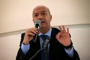Simonovis: Nunca dejar nadie atrás, lema que no forma parte de la actuación de Padrino