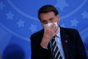 """Bolsonaro dice que """"está muy bien"""" tras contagiarse con coronavirus"""
