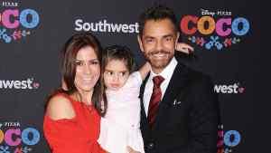 Atacan a esposa de Eugenio Derbez por golpear a su hija en un video
