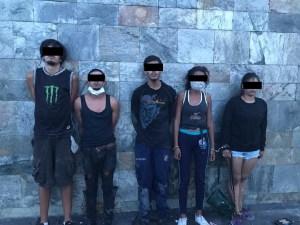 Detienen a cinco sujetos tras invadir un edificio en El Rosal (Fotos)