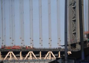 Un automóvil estalló en el puente de Manhattan en Nueva York