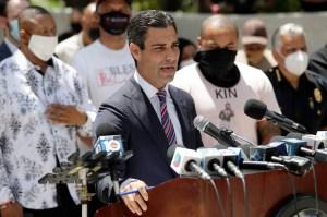 El alcalde de Miami podría cerrar las playas para frenar nuevos casos de coronavirus