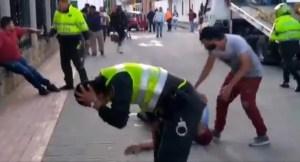 Policías colombianos les dispararon a dos venezolanos tras recibir fuerte ataque (Imágenes sensibles)