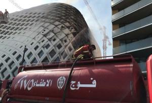 Poco más de una tonelada de fuegos artificiales fueron encontrados en un almacén de Beirut