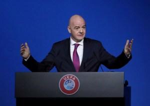 Presidente de la Fifa dice estar preocupado por retrasos en eliminatorias al Mundial 2022