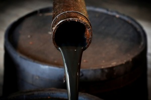 Petróleo se estabiliza luego de reapertura progresiva de oleoducto tras ciberataque