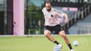 "Gonzalo ""El Pipita"" Higuaín fichó por el Inter de Miami de Beckham (FOTOS)"