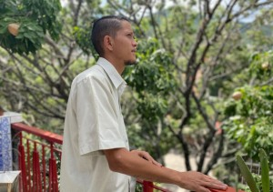"""""""Nos metían mucha corriente hasta el punto de llegar a los testículos"""", venezolano liberado relata tortura"""