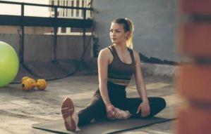 RETO: Bajar de peso y tonificar en 28 días solo con cinco ejercicios de Yoga (+ instrucciones)