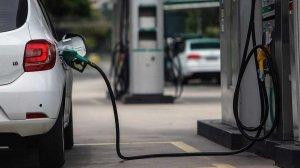 Régimen de Maduro anuncia aumento de la gasolina subsidiada
