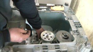 Más de 160 salarios mínimos cuesta reparar una lavadora