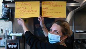 En Roma un bar prohibió a sus clientes hablar sobre el Covid-19
