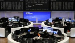 Las bolsas europeas caen a finales de un mes estelar con toda la atención en el Brexit