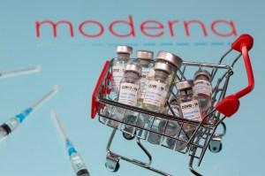 Moderna impulsa las esperanzas de tener una vacuna antes de Navidad