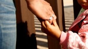 Conmoción en Argentina: Violan a una niña de dos años y golpean hasta la muerte a otra de la misma edad