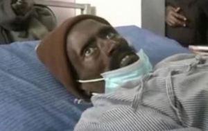 Iban a embalsamar a un hombre en Kenia y se dieron cuenta que no había muerto cuando lo pincharon