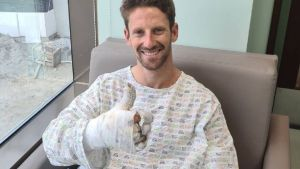Grosjean sale del hospital tres días después de su accidente