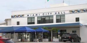 Miami entrega tarjetas de regalo con 250 dólares a residentes por el Covid-19
