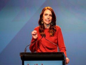 """Primera ministra de Nueva Zelanda declara la """"emergencia climática"""""""
