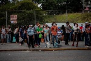 Mientras el acceso a transporte público se complica, conductores de Caracas piden aumentar el pasaje a un dólar