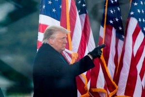 """Trump considera el procedimiento de juicio político en su contra """"absolutamente ridículo"""""""