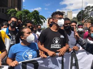 Estudiantes protestaron en Caracas ante la vulneración de la calidad de vida en Venezuela