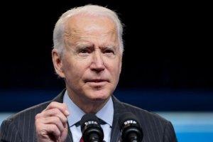 Biden prorrogó la declaración de emergencia que impide a embarcaciones registradas en EEUU entrar a Cuba
