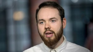 Cómo hizo un joven para convertir su emprendimiento en una empresa millonaria respaldada por Jeff Bezos