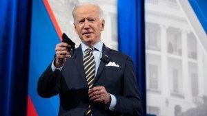 Administración de Biden envió 25 millones de mascarillas a estadounidenses de bajos ingresos