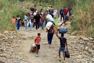 Una de cada tres niñas venezolanas ha abandonado sus estudios luego de emigrar