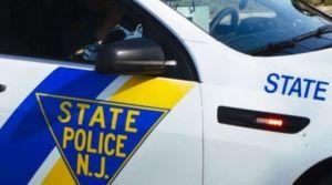 Niño pide ayuda al lado de dos cadáveres en lago de Nueva Jersey