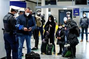 Inglaterra suministrará certificados de vacunación para viajeros