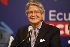 Lenín Moreno y Guillermo Lasso centran la transición en Ecuador en el proceso de vacunación contra el coronavirus
