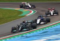 El tenso cruce entre Bottas y Russell tras el choque en el GP de Emilia Romaña