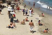 En pleno pico del Covid-19, playas de La Guaira recibieron a los bañistas este #18Abr (VIDEO)